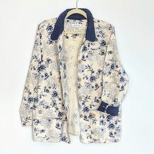 💙Wedgewood blue on cream barn coat